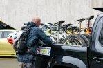 Matschbikes auf Pickups packen ist angenehmer als ins Auto