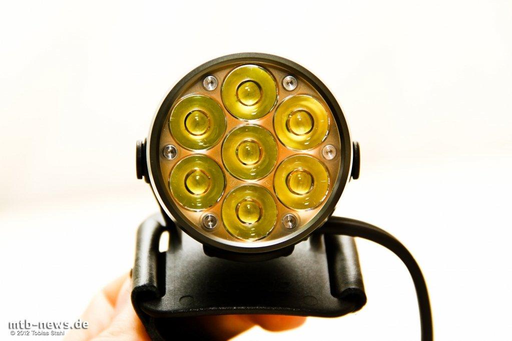 lupine betty r 12 fahrradlampe im test mtb. Black Bedroom Furniture Sets. Home Design Ideas