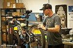 Kenny ist zuständig für die Montage der Bikes