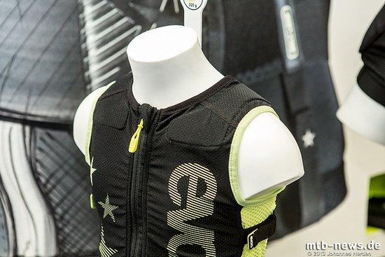 Sicherheit für den Nachwuchs: Die Protector Vest Kids von Evoc soll dafür sorgen, dass Kinder sich nicht mehr in Gefahr bringen als notwendig